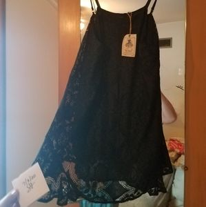 Nwt size L easel lace top